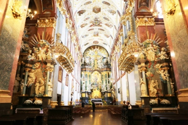 ../../Connect/Poland/เชสโตโชวา%20Czestochowa/Jasna%20Gora%20Monastery%20โบสถ์พระแม่มารี%20องค์ดำ/CT1_3272.JPG