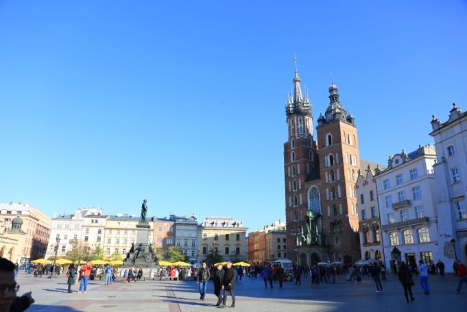 ../../Connect/Poland/คราเคา%20Krakow/St.%20Mary's%20Basilica/CT1_3781.JPG