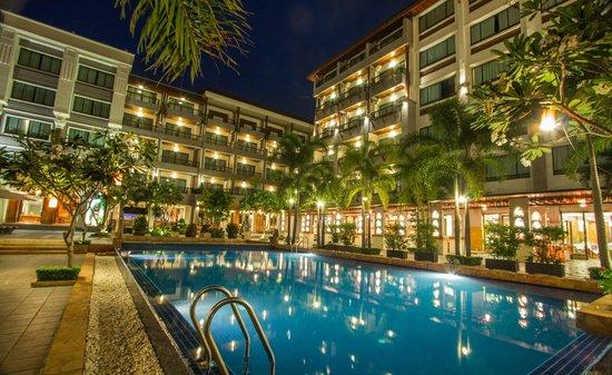 โรงแรมหรูหราระดับ 4 ดาว MEMORIE HOTEL
